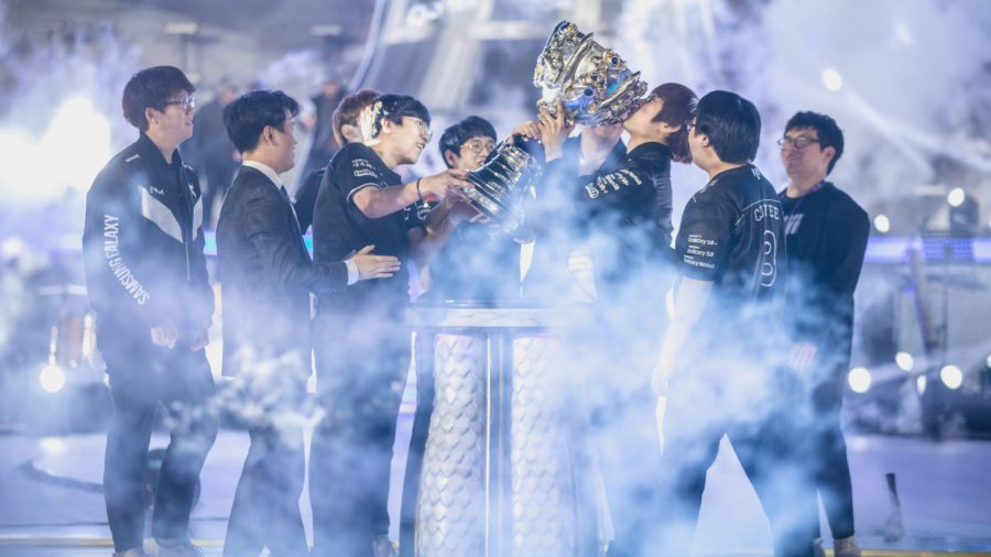 Samsung Galaxy winning the world finals against the favourites SK Telecom T1 who won the previous two World Finals, Six Samsung Galaxy players walked away with over $309,000 each